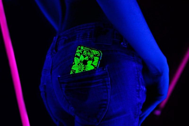 Наклейки светящиеся в УФ - это эксклюзив! Доступны на ВСЕ модели. Заказать ►► http://www.funkitki.ru/store/club